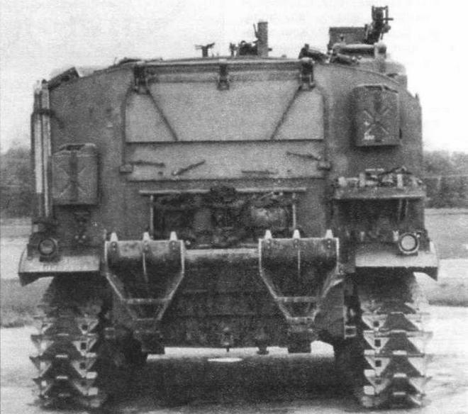 155-мм самоходная гаубица Т99Е1 (вид сзади)