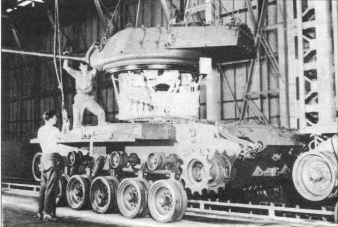 Сборка танка М41 в цеху «Кливлендского танкового арсенала»