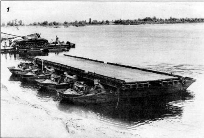 Лето 1955 года. Киевский военный округ. Испытания транспортера К-61 на реке Десне, (фото 1)