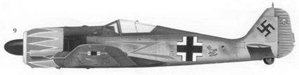 9. Fw-190A-5 (Wk-Nr 2594) Gruppenkommandeur Jagderganzungsgruppe Ost (оперативная истребительная тренировочная группа Восток) майора Германа Графа, Вуссак, южная Франция, лето 1943г.