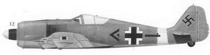 12. Fw-190A-4 «двойной черный шеврон» командира II./JG-2 обер-лейтенанта Адольфа Дикфельда, Кайроуан, Тунис, декабрь 1942г.