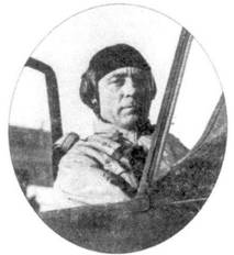 Доктор Курт Вольдемар Танк в кабине истребителя собственной конструкции Fw-190.
