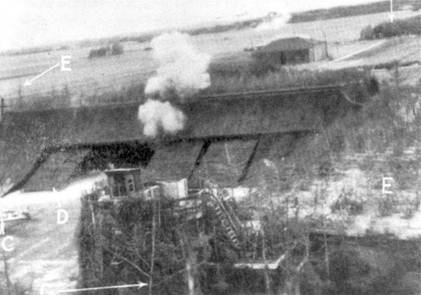 Бомбардировщики «Бостон» с американскими и британскими экипажами 4 июля 1942г. нанесли удар по аэродромам, на которых базировались стаффели JG-I. Снимок сделан с борта «Бостона», когда самолет находился на боевом курсе.