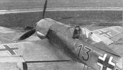 Еще один снимок одного из первых Fw-190A-1, на нем летал лейтенант Хорст Штернберг из 5-го стаффеля, Вевельгхем, ноябрь 1941г. Штернберг стал командиром 5./JG-26 в начале 1943г., до своей гибели в бою с «Тандерболтами» в феврале 1944г. он сбил 23 самолета противника.