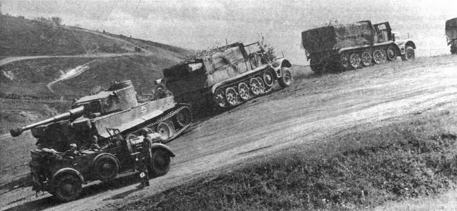 """Для буксировки танка Tiger приходилось """"запрягать"""" два 18-тонных тягача Sd.Kfz.9"""
