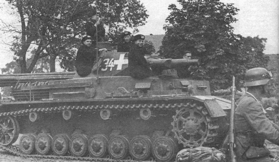 Средний танк Pz.IV Ausf.A 1-й танковой дивизии (I.Panzer-Division). Польша, сентябрь 1939 тощ