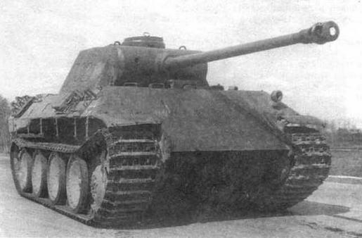 Тяжелый танк Раnther Ausf.D на полигоне в Кубинке