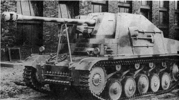 ПротивотанковаяСАУ Marder II (Sd.Kfz. 131). Marder — семейство лучших легких противотанковых САУ открытою типа периода Вюрой мировой войны