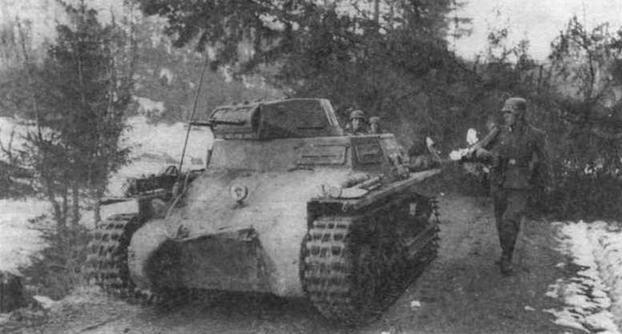 Легкий танк Pz.I Ausf.A из состава 3-й роты 40-го танкового батальона специальною назначения (3.Kompanie/Panzer- Abteilung z.b.V 40). Норвегия. апрель 1940 года. Эта воинская часть была сформирована на базе 35-го танкового полка 4-й <a href='https://arsenal-info.ru/b/book/1627328415/38' target='_self'>танковой дивизии</a> Вермахта и предназначалась для операций но захвату Дании и Норвегии