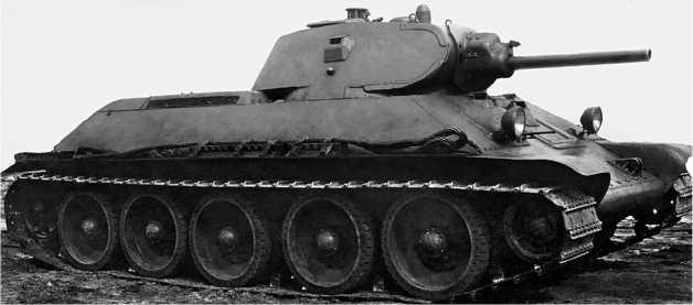 Серийный танк Т-34 выпуска 1940 года с 76-мм пушкой Л-11.
