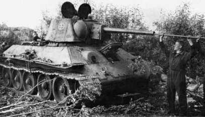 Танк Т-34 с улучшенной башней. Лето 1942 года.