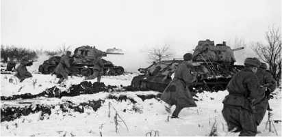 Танки и пехота в атаке. Район р. Днестр, март 1944 года.