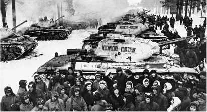 Передача Красной Армии танковой колонны «Московский колхозник» (танки КВ-1с). 1942 год.