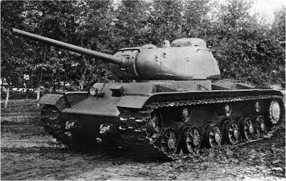 Тяжелый танк КВ-85. 1943 год.