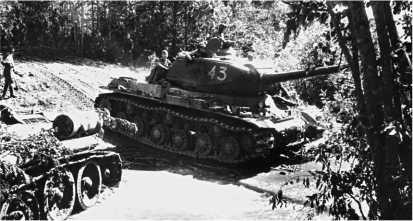 ИС-2 на подступах к Риге. Сентябрь 1944 года.