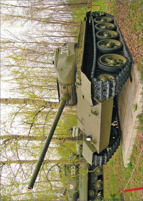 Средний танк Т-44М в экспозиции Музея Великой Отечественной войны в Москве. 2005 год.