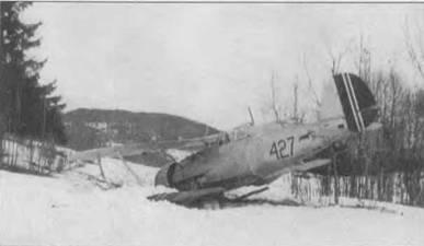 Немецкий пилот Гельмут Лент сбил 9 апреля 1940 года норвежский «Гладиатор Mk II» (427). Норвежский летчик — сержант Кристиан Фредерик Шие посадил самолет у Колсааса к западу от Осло. При посадке машина получила минимальные повреждения. Позднее самолет обстреляли бортстрелки пролетавшего мимо Ju 52. Норвежские «Гладиаторы» были серебристые, номера на фюзеляже черные. Руль направления красный с бело-сине-белой вертикальной полосой. Такой же знак имелся и на крыльях самолета.