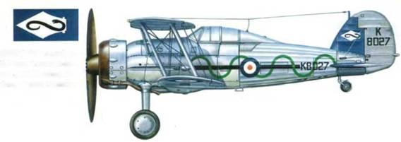 «Гладиатор Mk I» (K8027) 87-й эскадрильи, Дебден, Англия, 1937 год. Синие колесные диски и синий киль — машина командира звена «В». Кроме того, на киле эмблема эскадрильи.