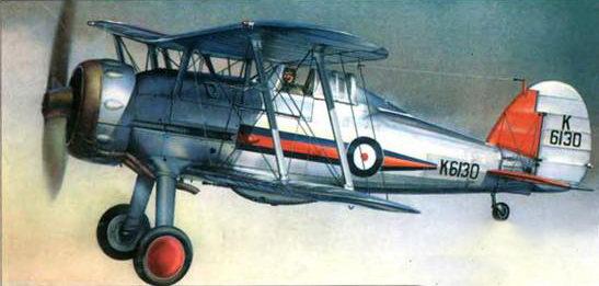 «Гладиатор Mk I» (K61130) из 72-й эскадрильи, Черч-Фентон. Англия, 1437 год. Самолет серебристый с цветными метками. Красные колесные диски и красное хвостовое оперение указывают на машину командира звена «4». 72-я эскадрилья стали первой английской частью, оснащенной «Гладиаторами».