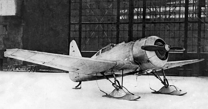 Второй опытный экземпляр И-14 с открытой кабиной пилота