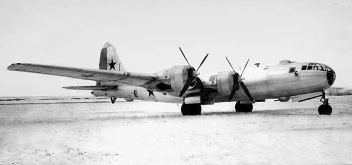 Один из первых серийных бомбардировщиков Ту-4