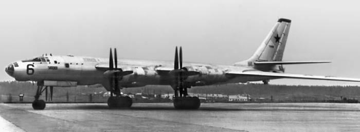 Ту-95М