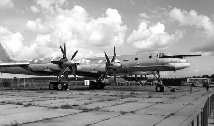 Ту-95МС одной из первых серий