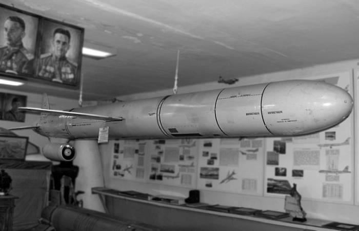 Крылатая ракета Х-55 в экспозиции музея Дальней авиации