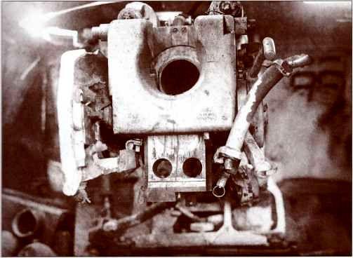 Казённая часть орудия «Фердинанда», подбитого на высоте 255,1 3-й батареей 642-го пушечно-артиллерийского полка 5-й артдивизии на Поныревском направлении.
