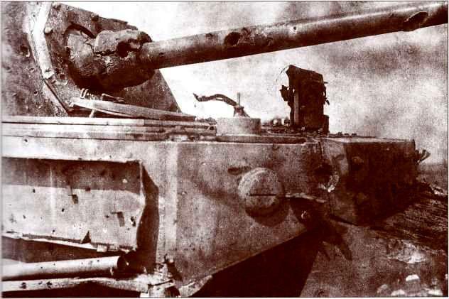«Фердинанд» №712, подбитый 9 июля 1943г. 5-й батареей 768-го лёгкого артполка 16-й лёгкой артбригады на Поныревском направлении.