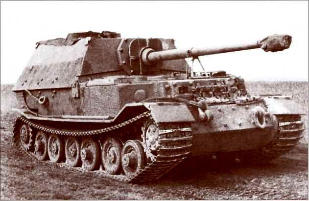 «Элефант» 3-й роты 653-го батальона в ходе испытательного пробега после ремонта. Район Тарнополя, июнь 1944г.