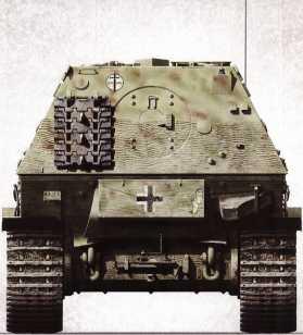 Корма «Элефанта» штабной роты 653-го батальона — на ней отсутствует номер, но заметно введенное весной 1944г. тактическое обозначение. Броня покрыта циммеритом, на ней закреплен гусеничный трак.