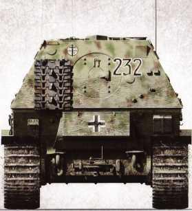 Корма «Элефанта» №232 2-й роты 653-го батальона тяжелых истребителей танков. На броне закреплен гусеничный трак, заметен ящик для инструментов. Летом 1944г. в ходе боев на территории Галиции самоходка увязла в грунте, разделив участь многих других машин того же типа.