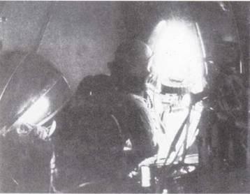 Стандартным управляемым вручную пулеметом самолетов японской морской авиации в 1937–1945гг. был Тип 92. К началу войны на Тихом океане это оружие уже не отвеча ю требованиям защиты от самолетов противника, но им продолжали вооружать боевые машины на протяжении всей войны. (Эдвард М. Йонг)