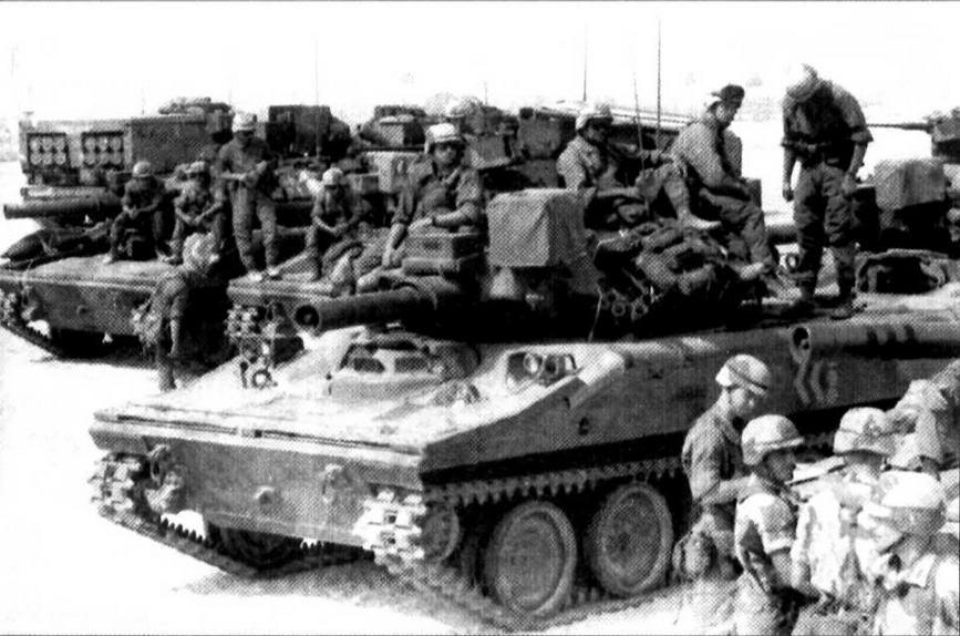 В рампах операции « Щит пустыни» 3 августа 1990 года в Саудовскую Аравию была доставлена 3-я легкая танковая рота 73-го танкового батальона 82-й воздушно-десантной дивизии