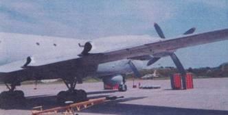 Самолет Ил-38; вид 3/4 справа сзади