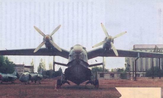 Самолет Бе-12 после ремонта