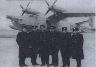 Руководители 318-то оплап дд авиации КСФ, второй и третий слева – «Заслуженные военные летчики СССР» полковники И. А. Швец и Б. В. Жидецкий