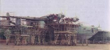 Самолет Бе-12 на капитальном ремонте (Евпатория)