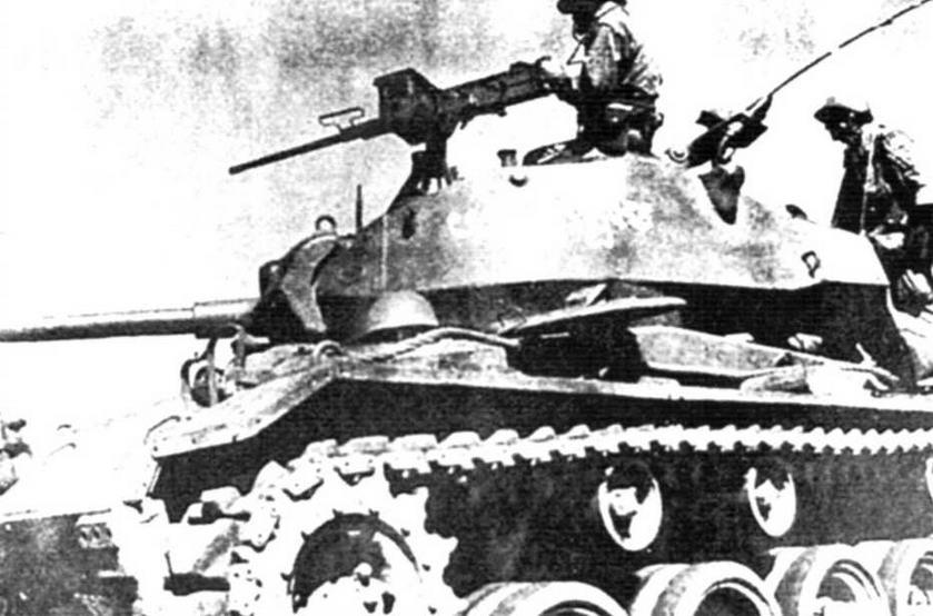 Экипаж кхмерского танка М24 в бою. 1973 г.