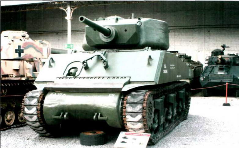 Средний танк М4АЗЕ2