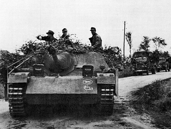 Jagdpanzer IV из состава 228-го батальона истребителей танков 116-й танковой дивизии. Нормандия, июль 1944 года