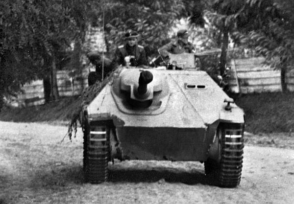 Jagdpanzer 38 Hetzer из состава 8-й кавалерийской дивизии СС «Флориан Гейер». Восточный фронт, 1944 год