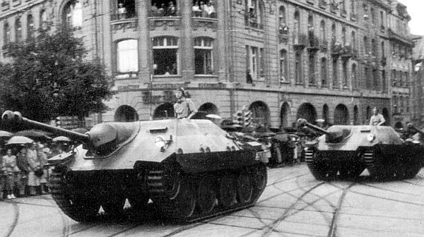 Истребитель танков G-13 на параде в Цюрихе. Швейцария, 1947 год