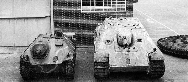 Истребители танков Jagdpanzer 38 Hetzer и Jagdpanther являются ныне экспонатами британского Королевского танкового музея в Бовингтоне