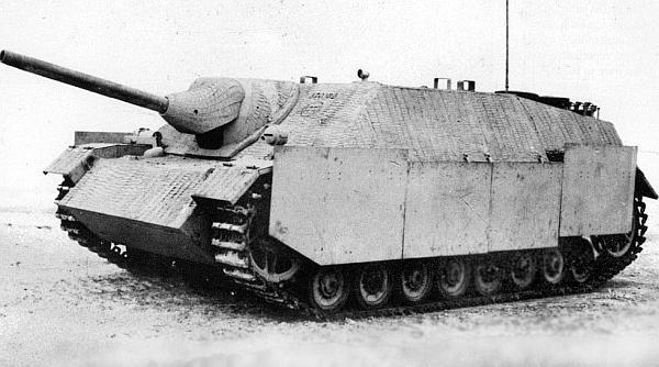 Истребитель танков Jagdpanzer IV поздних выпусков с противокумулятивными экранами на бортах корпуса