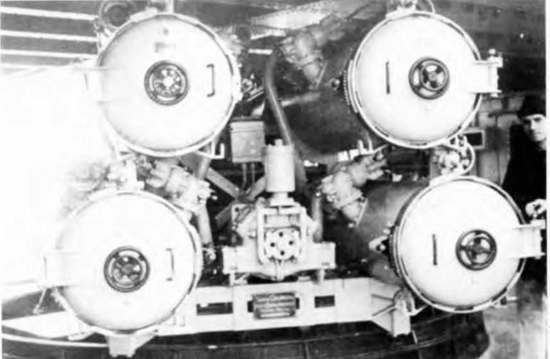 "Артиллерийское и торпедное вооружение на легком крейсере ""Сципионе Африка но"", Фото сделано в Таранто 5 мая 1944 г."