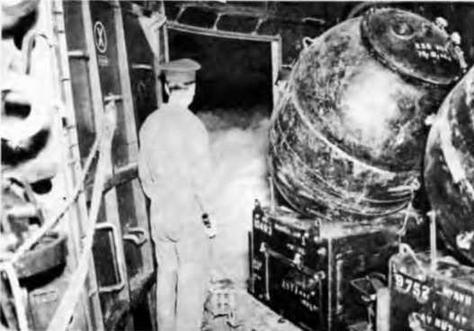 """На крейсере """"Аполло"""" перед минной постановкой. 1945 г."""