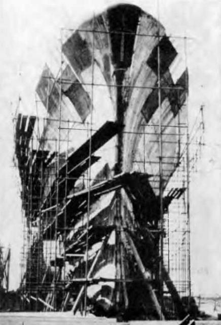 """Корпус """"Паоло Эмилио"""" на стапеле. 1940 г."""