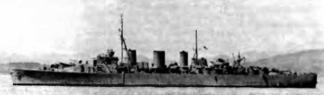 """Крейсера """"Эбдиэл* в марте 1941 г, (вверху), """"Лейтона"""" (в центре) и """"Мэнксмэн"""" в июле 1941 г."""